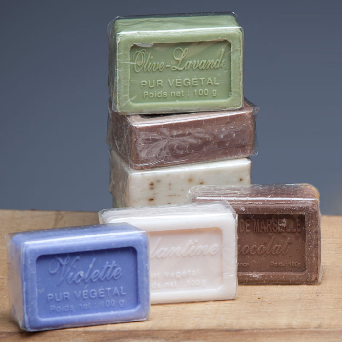 VEGETABLE SOAP WITH SHEA BUTTER (different fragrances)